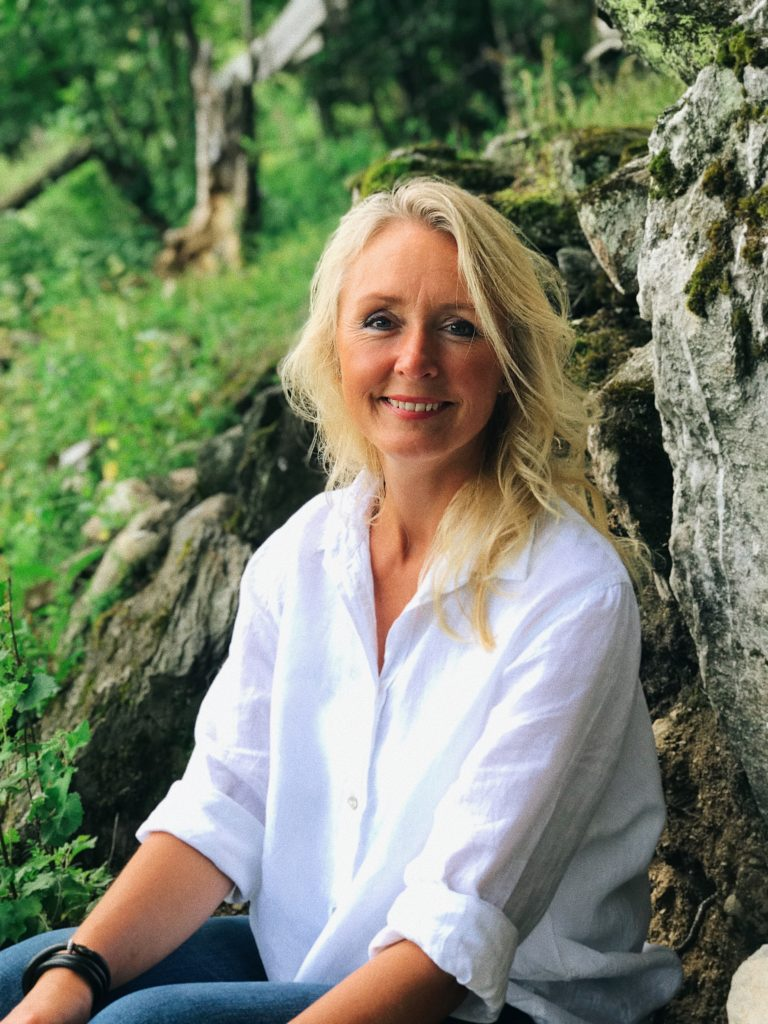 Healing av Åse Helene Lien
